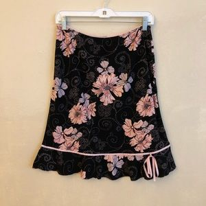 Luna Chix  black/ floral skirt Size XL  USA made